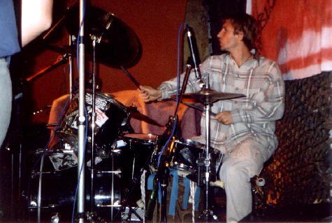 1247184554_Petti_Smith_3-Schlagzeuger